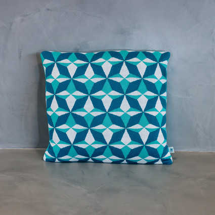 thumb cushion azulejo lisboa blue