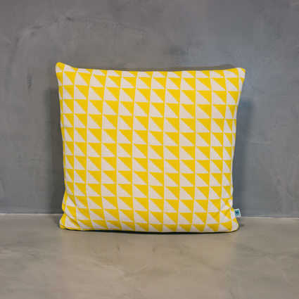 thumb cushion azulejo coimbra yellow