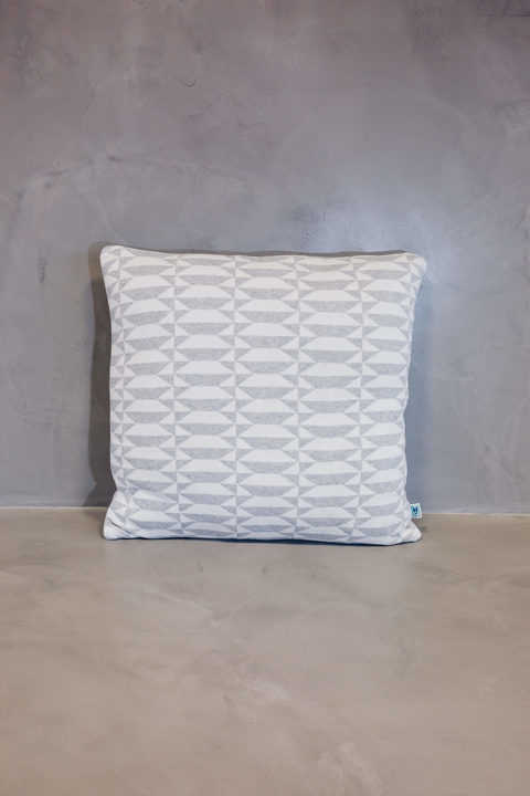 normal cushion azulejo porto grey