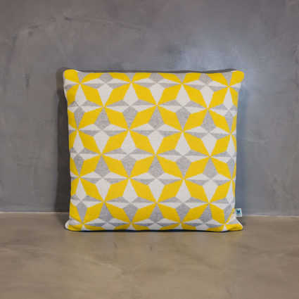 thumb cushion azulejo lisboa yellow