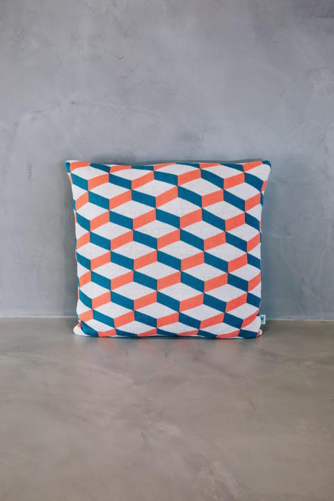 normal cushion azulejo aveiro coral