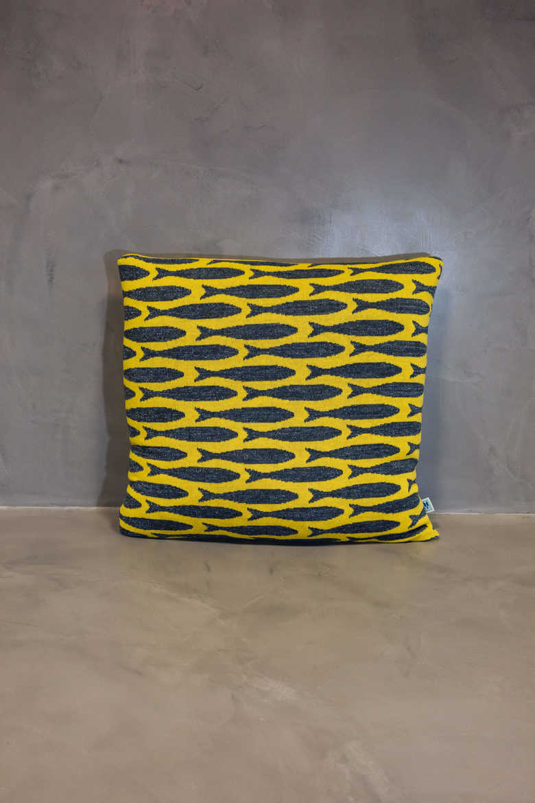 big cushion sardinha yellow