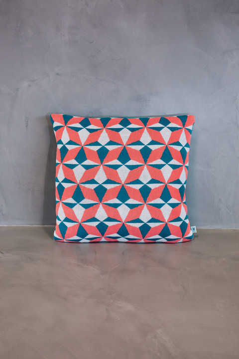 normal cushion azulejo lisboa coral