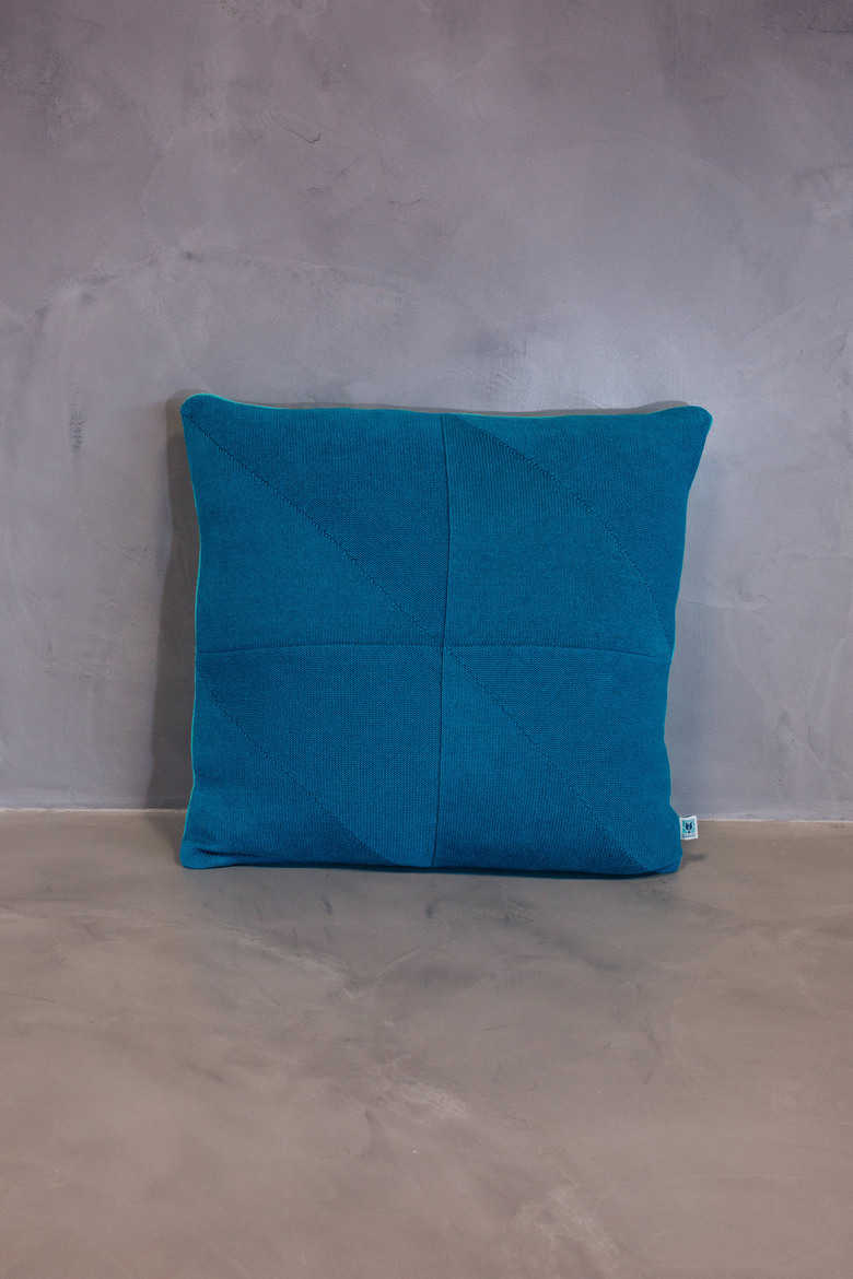 big cushion serra blue coral
